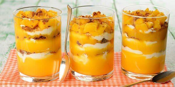манго в стаканчике