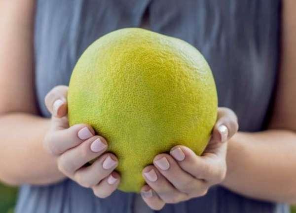 Фрукт помело: чем полезен для женщин и мужчин, калорийность и состав