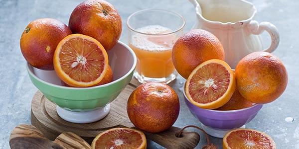 Кровавый апельсин и сок