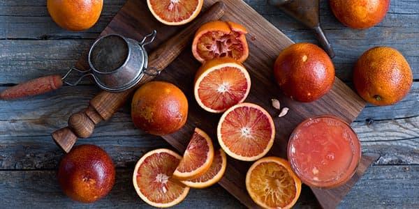 Сицилийские апельсины на столе