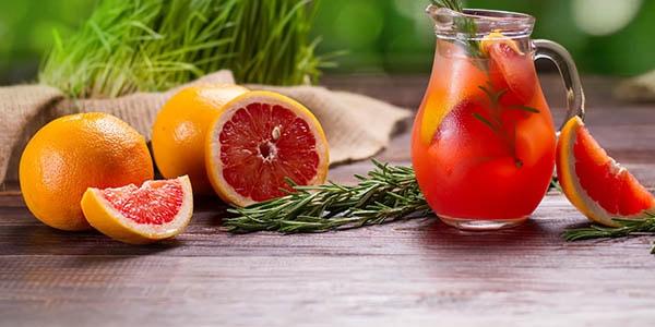 Сок грейпфрута и плоды цитруса