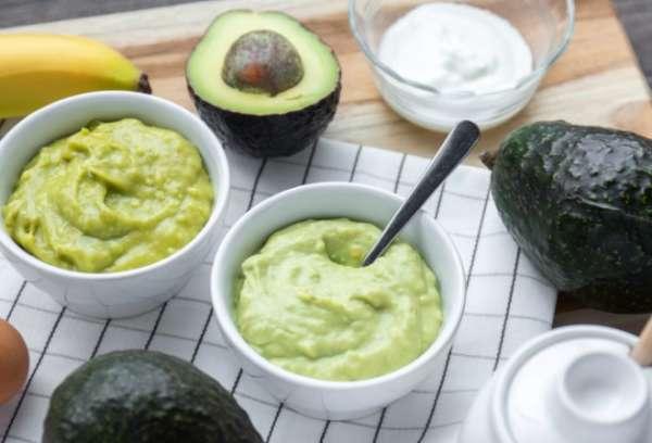 сметана и авокадо
