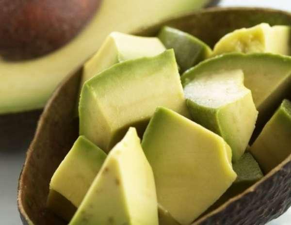 кусочки авокадо