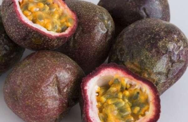 Маракуйя: фото фрукта, как правильно есть, польза и вред