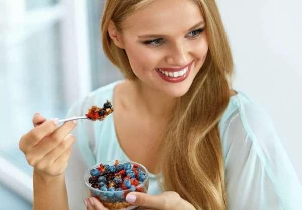 завтрак с ягодами