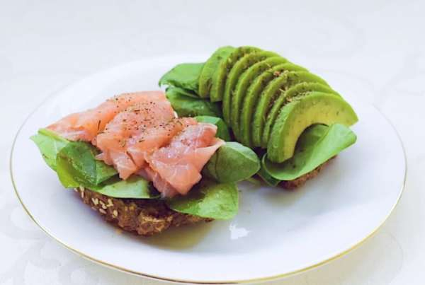 авокадо с рыбой